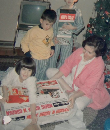 Mom and me at Christmas_hq (1)
